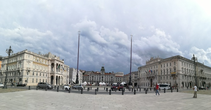 Piazza_Unità_d'Italia_(Trieste)_03